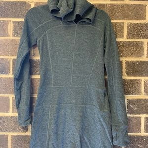 The north face gray long sleeves dress size S